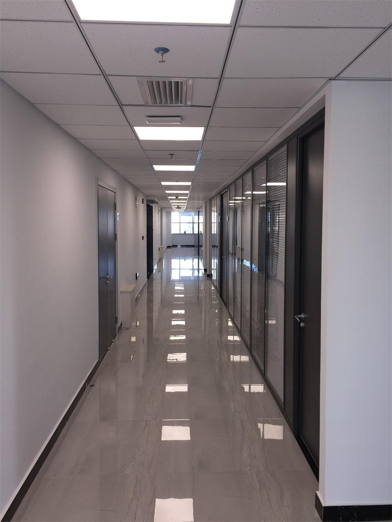 14层办公环境